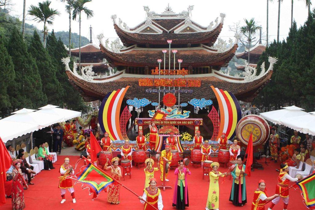 10 unique festivals to explore during your Vietnam tour 2