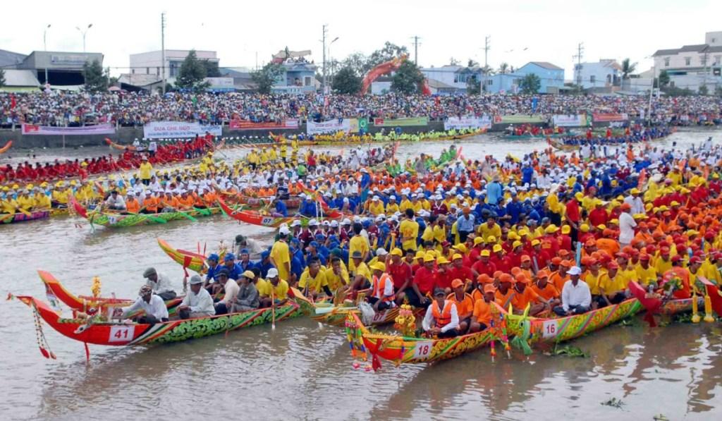 10 unique festivals to explore during your Vietnam tour 10