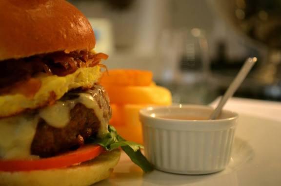 Beef Burger at Port XIV - Asilah Info