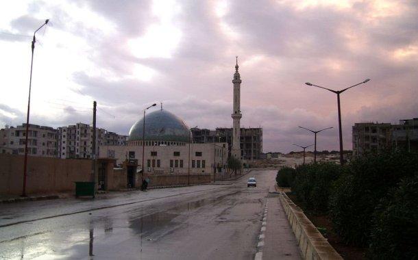شاهد تقرير قصير - روسيا تدمّر خمسة مساجد داخل مدينة ادلب