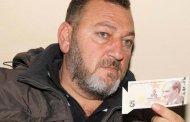 مواطن تركي يرفض استبدال خمس ليرات بـ 2500 ليرة تركية تعرف على السبب