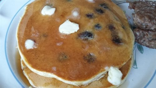Papa's pancakes with blueberries