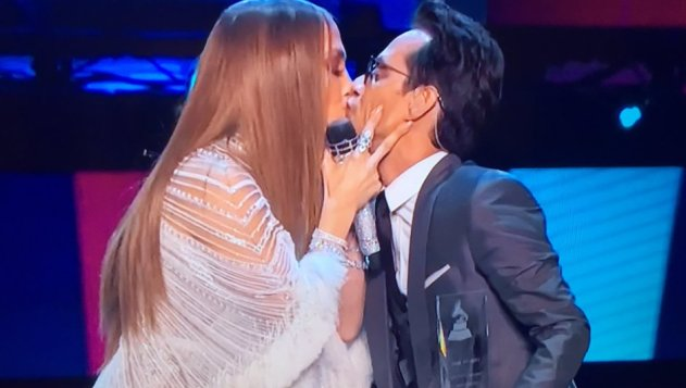 beso-jlo-marc