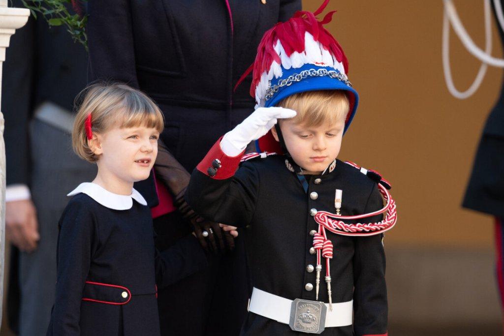 Τα δίδυμα του πρίγκιπα Αλβέρτου έκλεψαν την παράσταση στην εθνική γιορτή του Μονακό