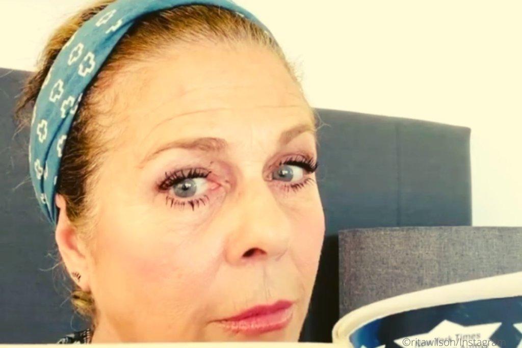 """Κορονοϊός: η Ρίτα Γουίλσον  """"τρελαμένη στην καραντίνα"""" τραγουδάει hip hop"""