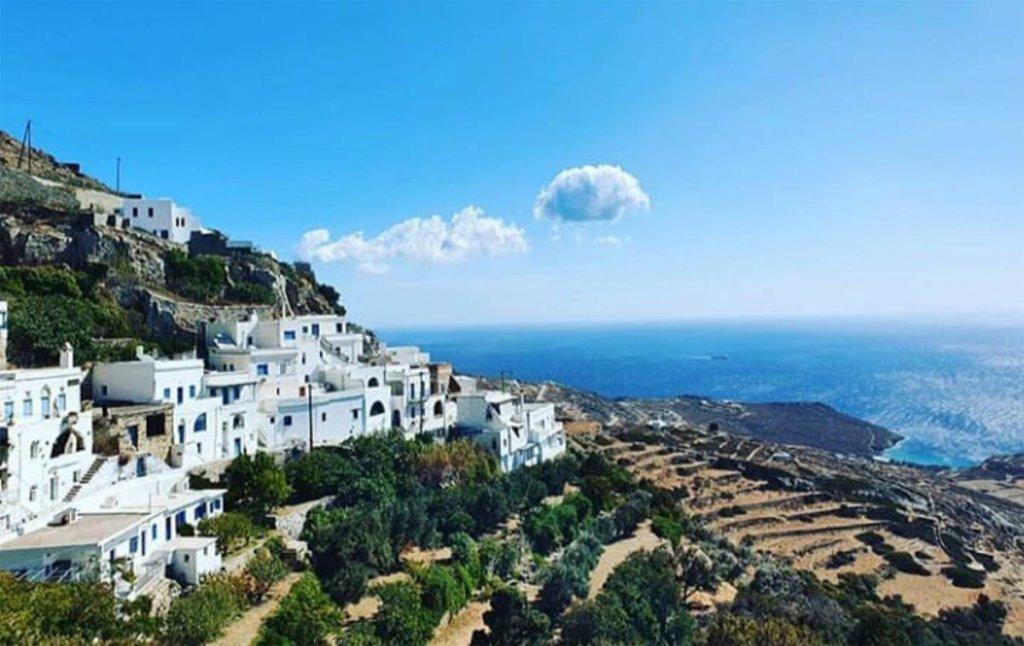 Τήνος: Το «ιερό» νησί των Κυκλάδων