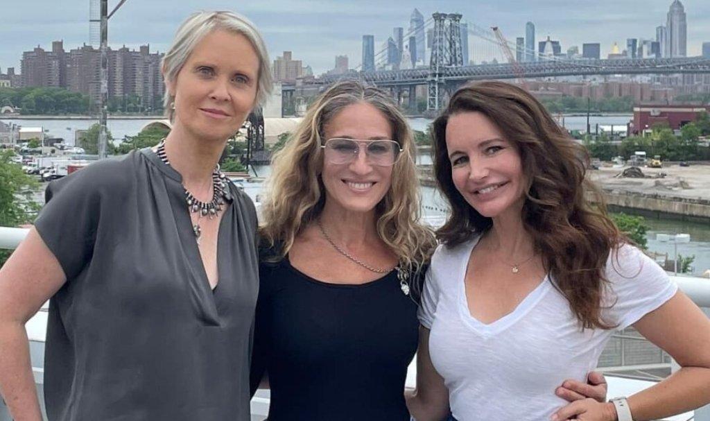 «Sex and the City»: Η πρώτη επίσημη φωτογραφία των τριών πρωταγωνιστών