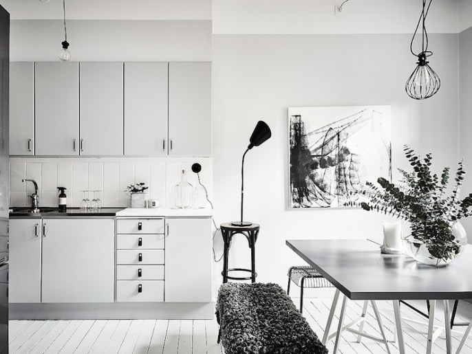 monochrome-swedish-apartment-photo-anders-bergstedt-4