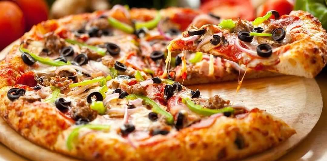 Debonairs celebrates 25 years
