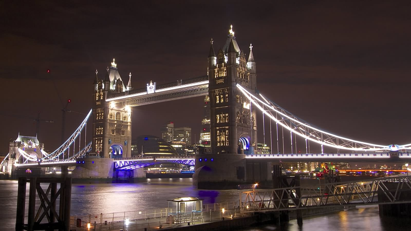 The Tower Bridge London Looks Amazing With Night Lights