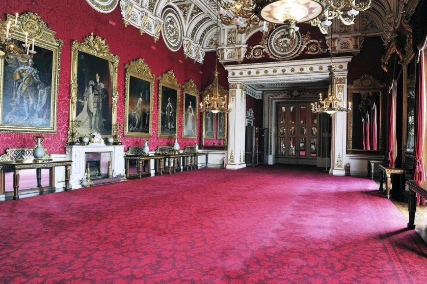 Inside View Of The Buckingham Palace - THE MOST BEAUTIFUL INTERIOR PICTURES OF BUCKINGHAM PALACE LONDON