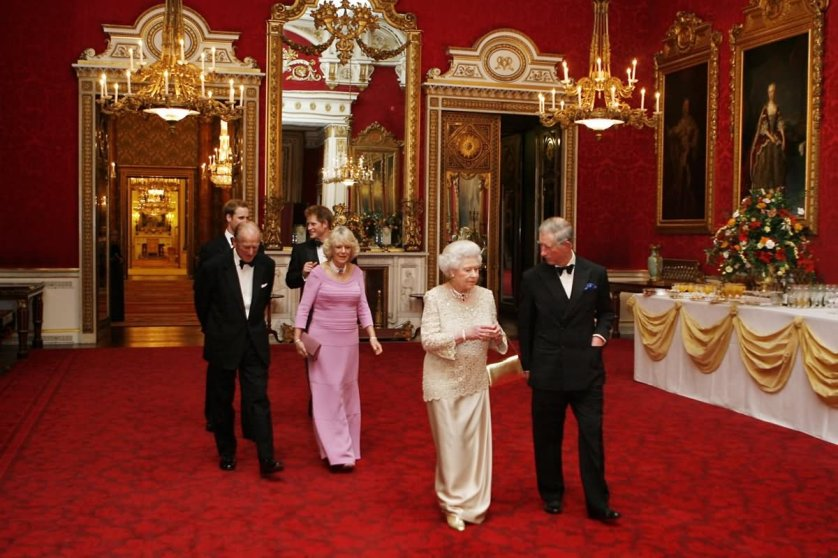 Queen Elizabeth Inside The Buckingham Palace - THE MOST BEAUTIFUL INTERIOR PICTURES OF BUCKINGHAM PALACE LONDON