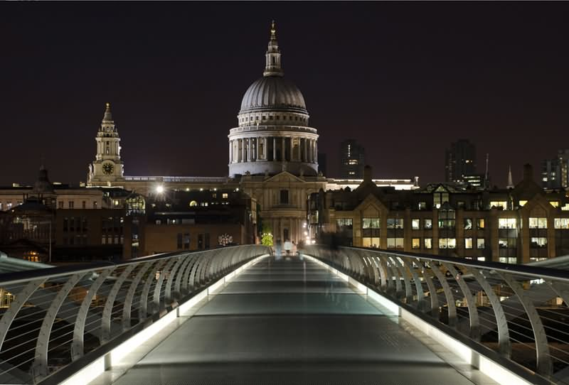 35 Incredible Night Pictures Of St Pauls Cathedral London