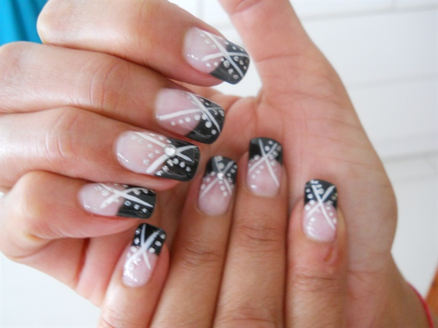 This Amazing Looking French Manicure Plays With And Black Polish Binations The Nails Use