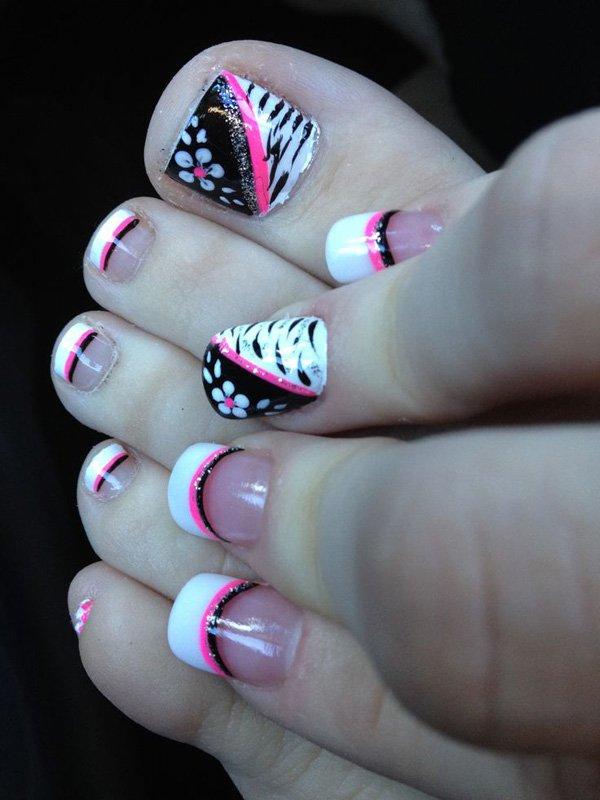 Half Diagonal Zebra Print Toe Nail Art Design