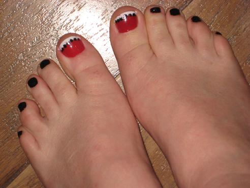 Red And Black Toe Nails With White Tip Design Idea