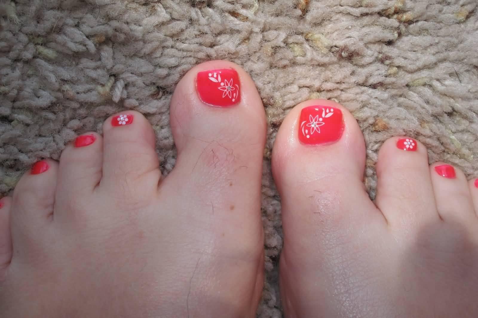 Simple Toe Nail Art With White Fl Design Idea