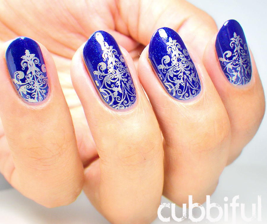 Royal Blue Nails With Silver Sting Design Idea