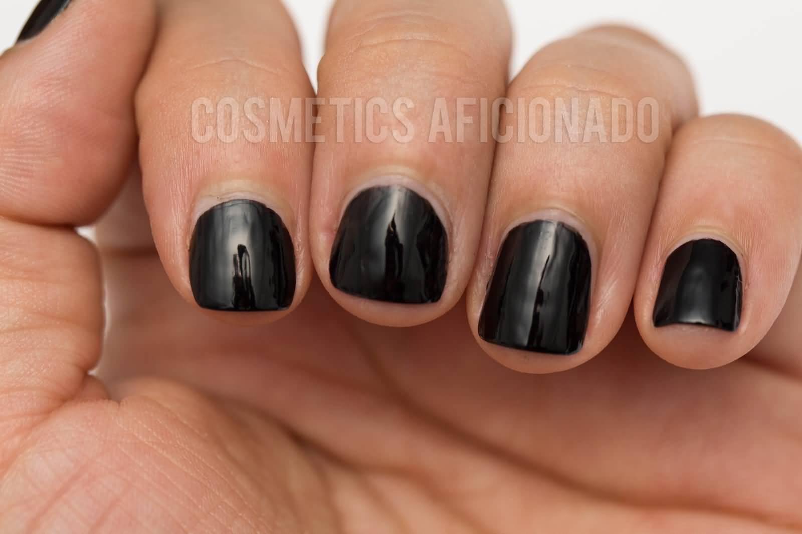 Black Short Acrylic Nail Art