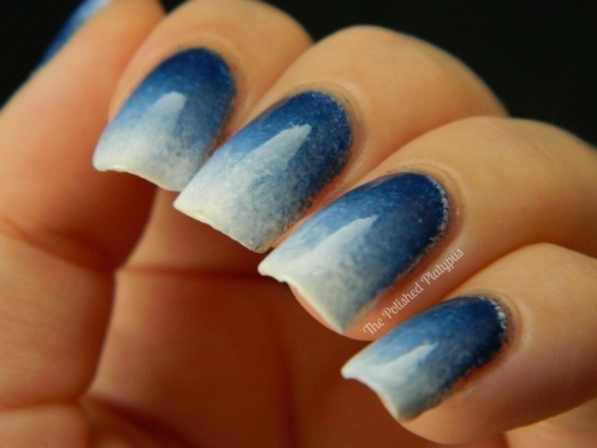 Nail Art Blue And White