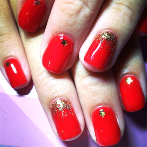 Red And Gold Christmas Nail Art