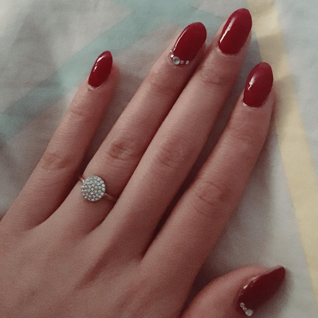 Red Nails With Rhinestones Design Idea