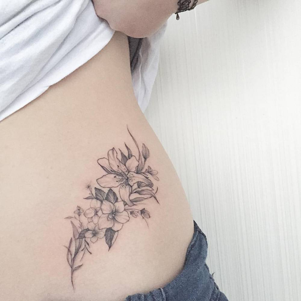 Lily Flower Tattoos Hip Kayaflowerco