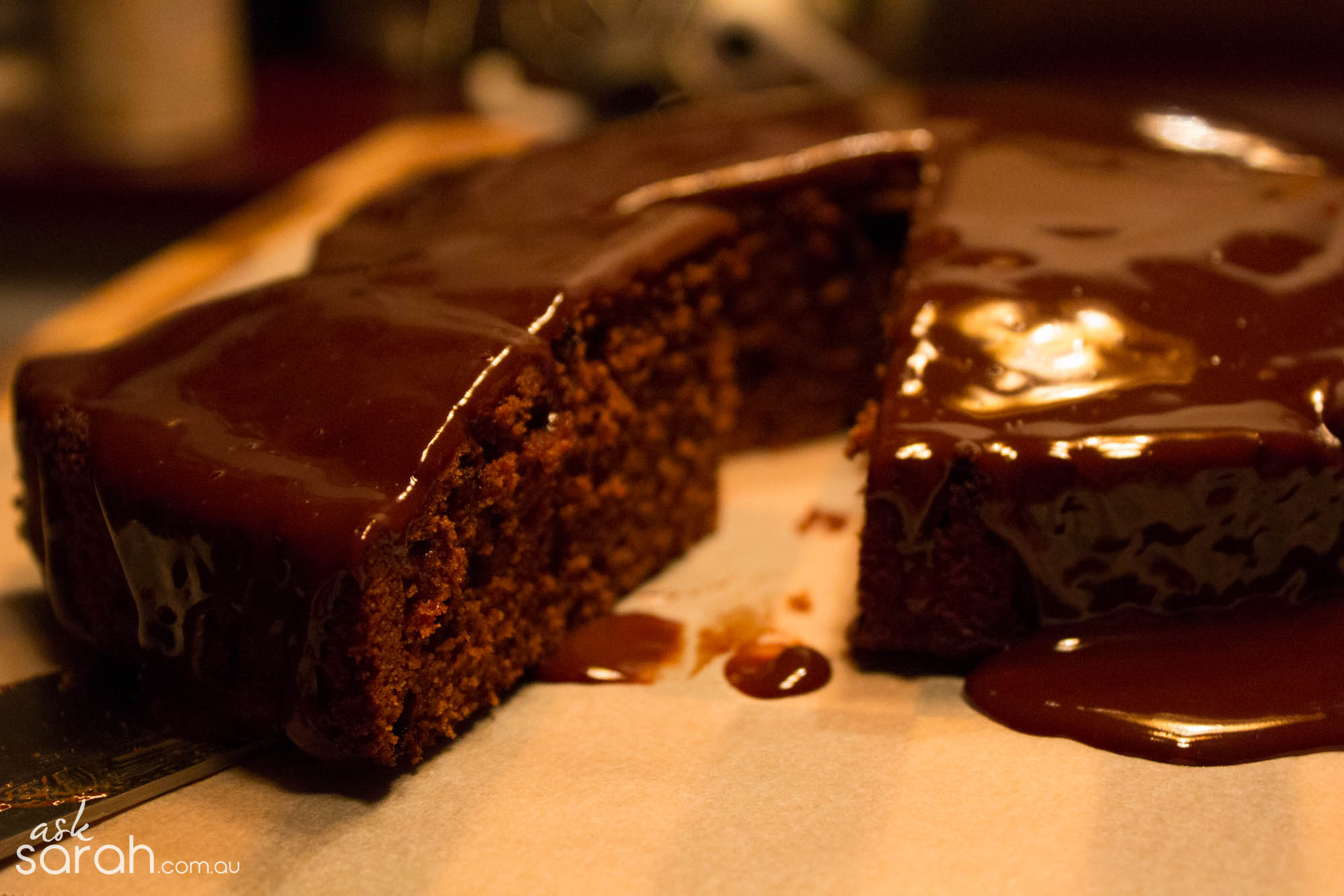 Recipe: Stupidly Simple Chocolate Cake with Ganache Icing