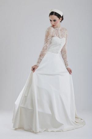 Old Fashioned Lace Wedding Dress. wedding dress old