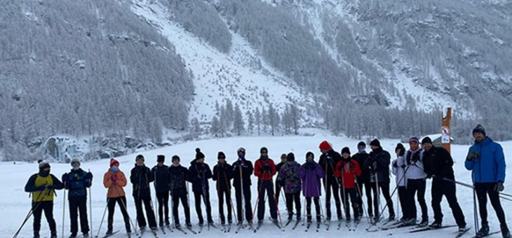 21 membres du club sur les skis