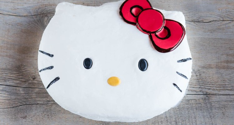 Easy Homemade Hello Kitty Cake | A Slice Of Heaven