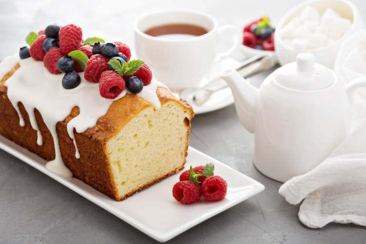 7 Tips for Baking a Perfect Pound Cake | www.asliceofheavencakesclassroom.com