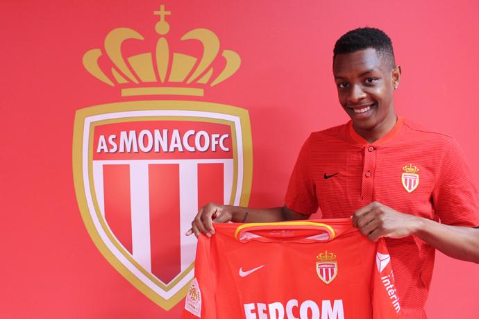 Yoann Etienne a signé son premier contrat professionnel
