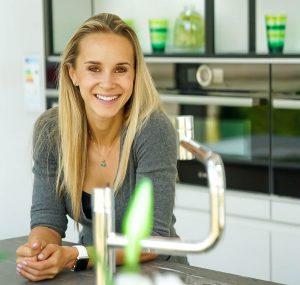 Ich bin Caro – wahnsinnig sportbegeistert und unglaublich experimentierfreudig in der Küche.