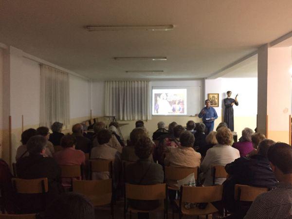 Vista general de la slaa durante la charla. Foto: Teresa Jimeno