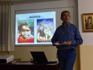 Manolo, durante la charla. Foto: Teresa Jimeno