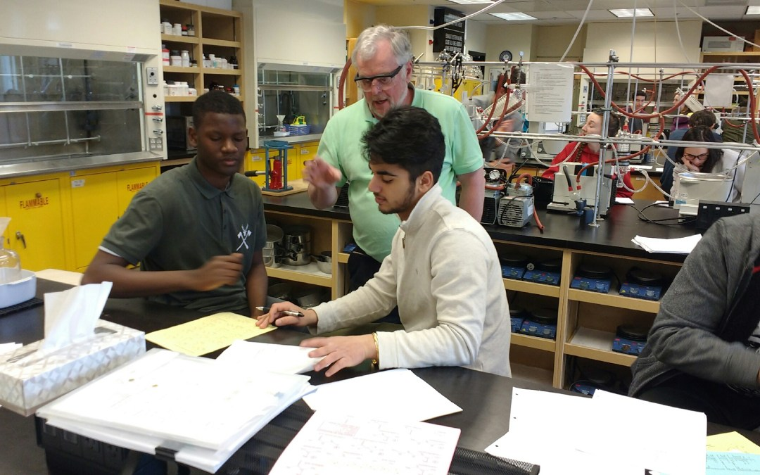 Diploma Chemistry Students Visit UVic