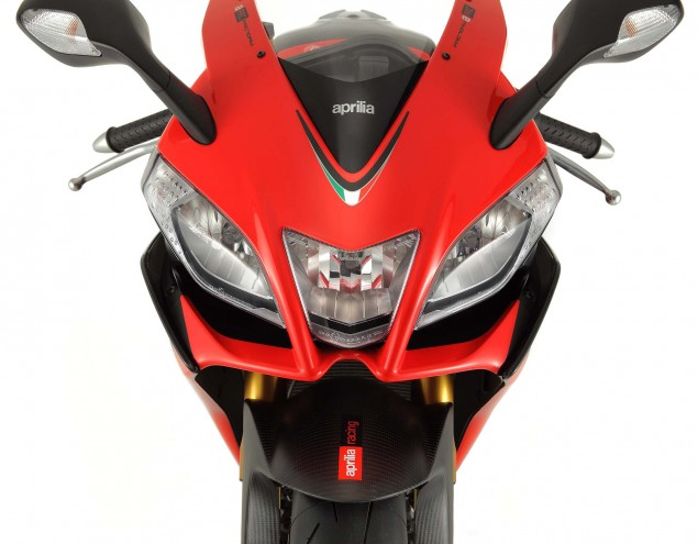 Photos: The 2013 Aprilia RSV4 R ABS in Matte Black Hi Res 2013 Aprilia RSV Factory ABS 03 635x495