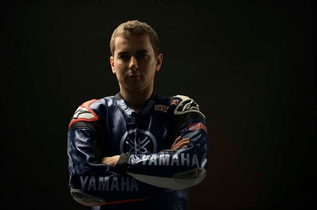 Valentino-Rossi-Jorge-Lorenzo-Yamaha-M1-MotoGP-14