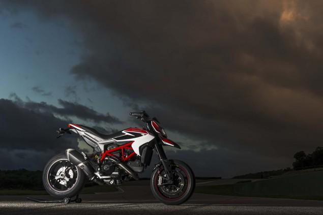 2013-Ducati-Hypermotard-still-photos-15