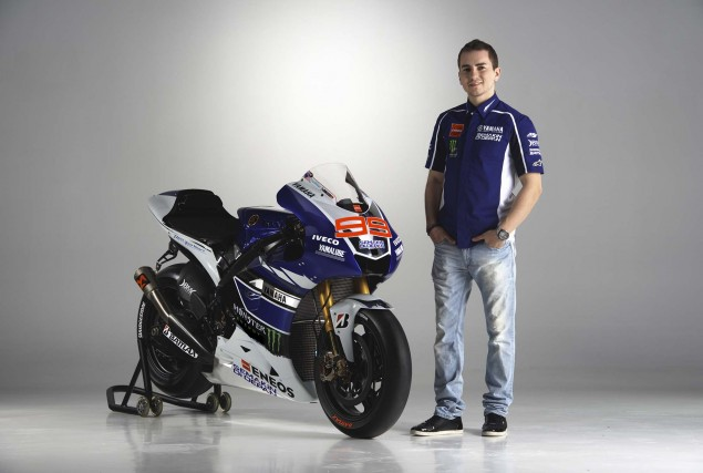 2013-Yamaha-YZR-M1-Jorge-Lorenzo-Valentino-Rossi-08