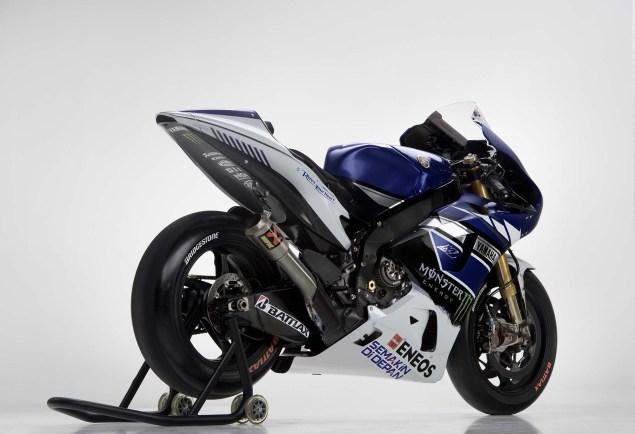 2013-Yamaha-YZR-M1-Jorge-Lorenzo-Valentino-Rossi-15