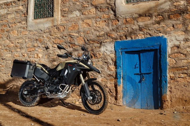 2013-BMW-F800GS-Adventure-outdoor-still-16