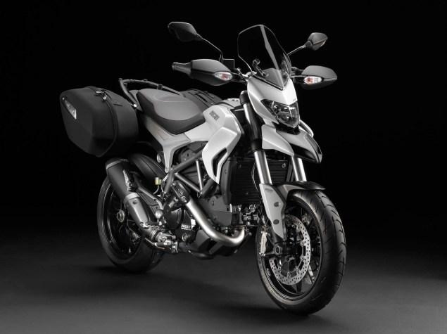 2013-Ducati-Hyperstrada-66