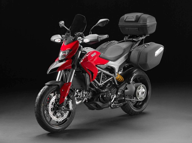 2013-Ducati-Hyperstrada-72