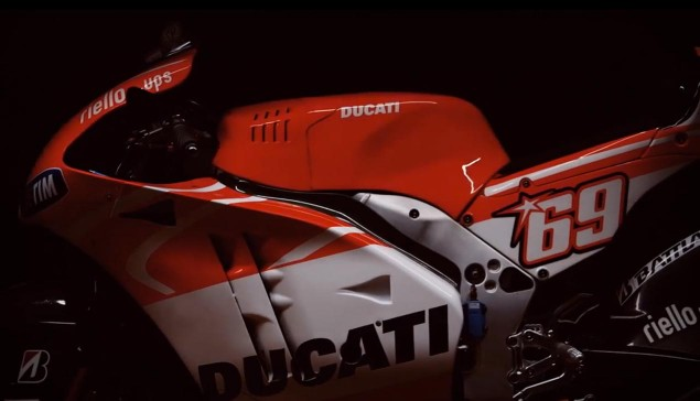 2013-ducati-desmosedici-gp13