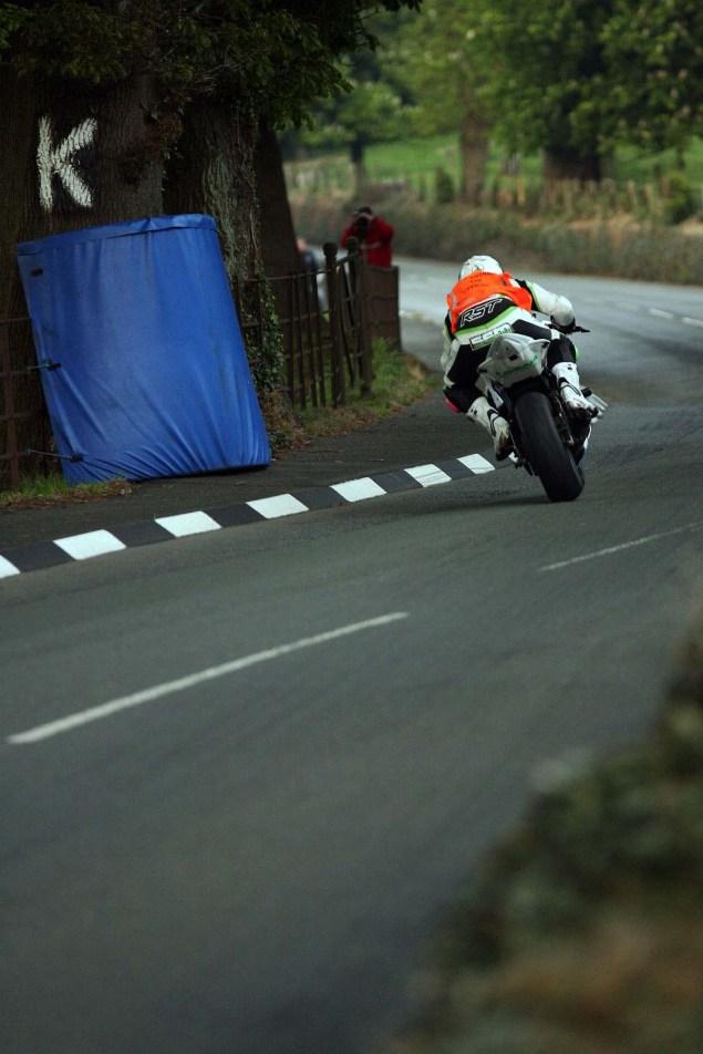 Conker-Fields-Isle-of-Man-TT-Richard-Mushet-09