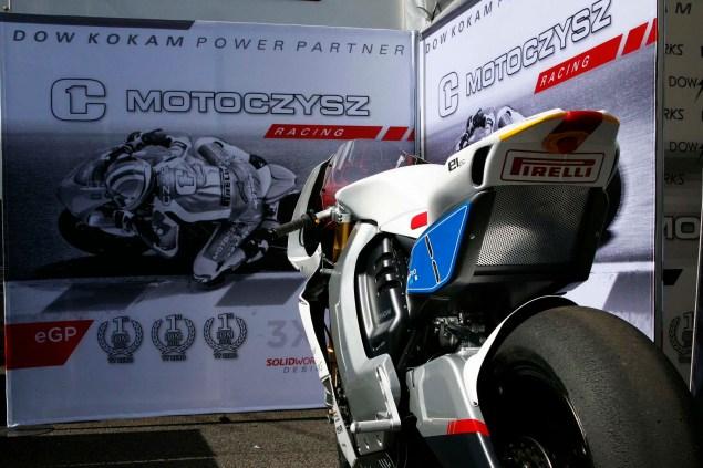 2013-MotoCzysz-E1pc-Isle-of-Man-TT-Zero-43