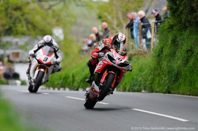 Barregarrow-Superbike-TT-race-Isle-of-Man-TT-Tony-Goldsmith-06