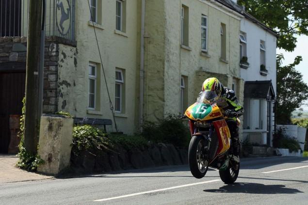 Rhencullen-2013-Isle-of-Man-TT-Richard-Mushet-05